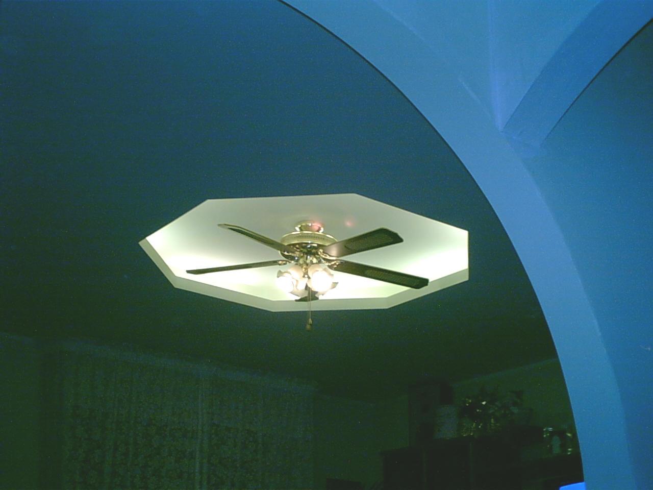 Contro soffitto ed abbassamenti in gesso rivestito con