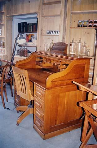 I mobili da ufficio di fine 800 di HIGH-TECH DEPOCA ...