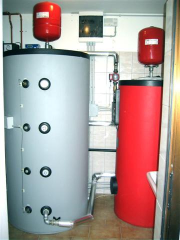 Accumulo acqua calda 300 litri boiserie in ceramica per bagno - Acqua calda per andare in bagno ...