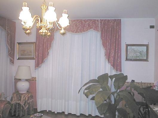 Tenda classica con calate laterali e mantovana for Tende classiche con mantovana