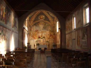 Gli affreschi all'interno del Santuario