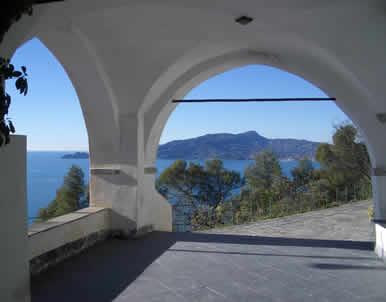 L'entusiasmante panorama che si gode dal Santuario