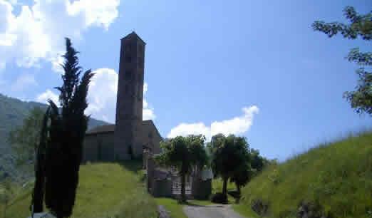 La chiesetta romanica di S.Alessandro roba del 13°secolo