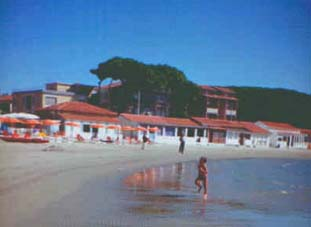 Casa vacanze toscana follonica battistini for Design di architettura casa sulla spiaggia