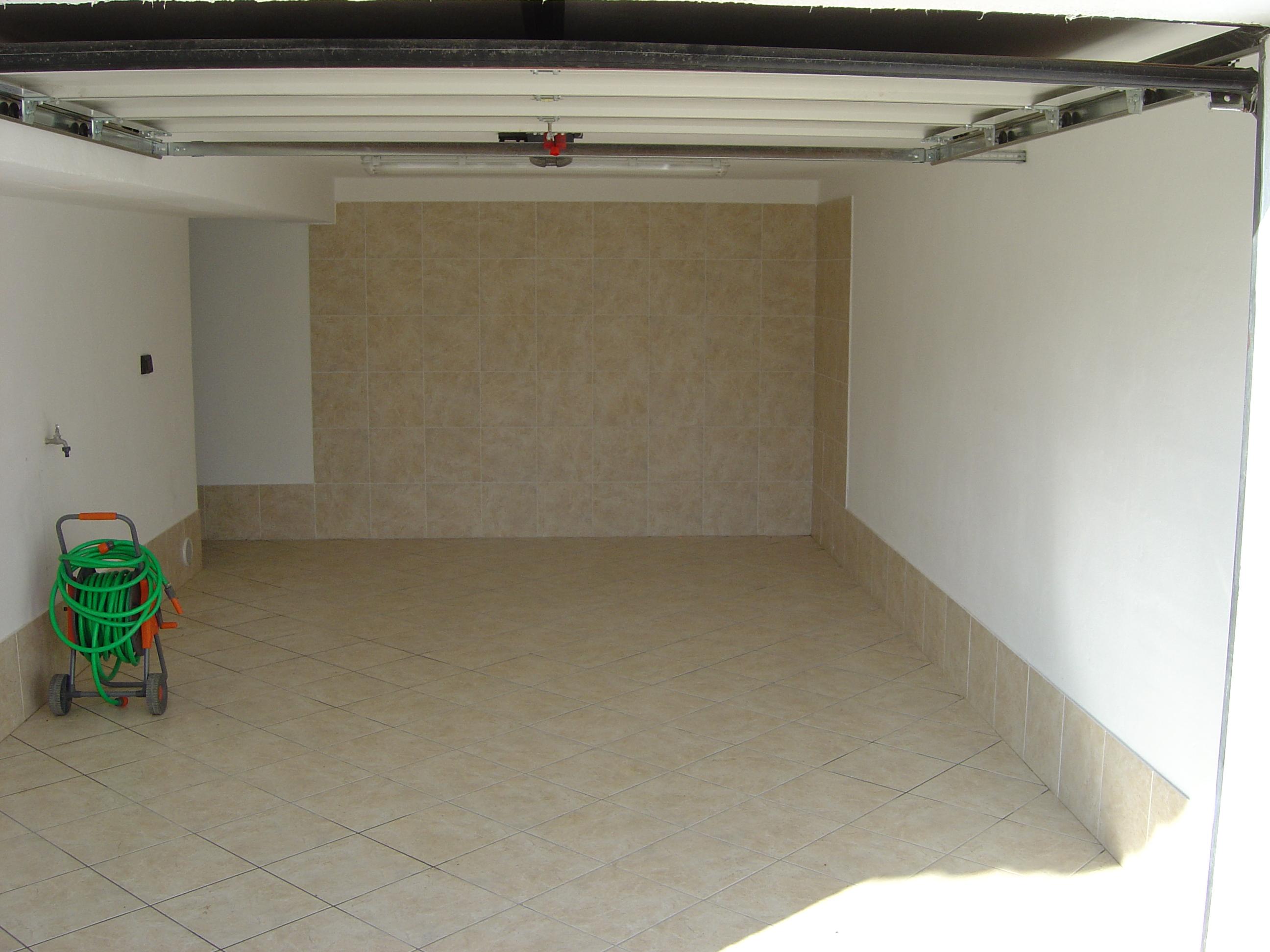 villa per vacanze a folgaria il garage